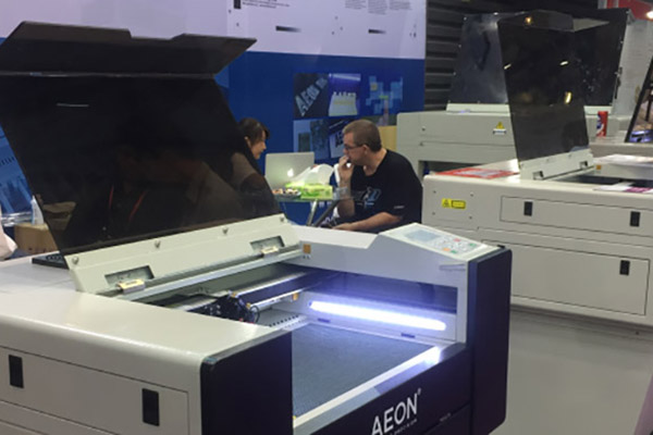AEON LASER Attend Shanghai SIGN CHINA Expo 2018